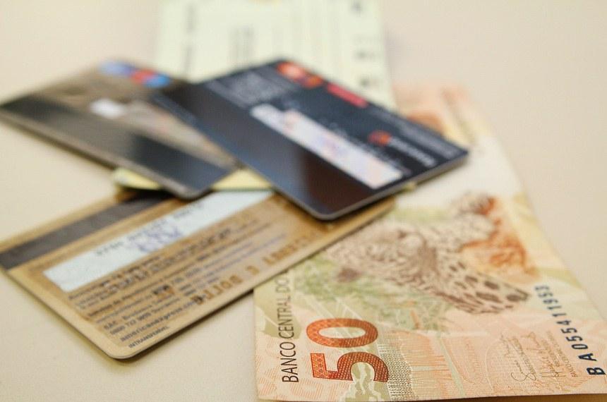6f44cabf26 Lei autoriza diferenciação de preço para compras em dinheiro e ...