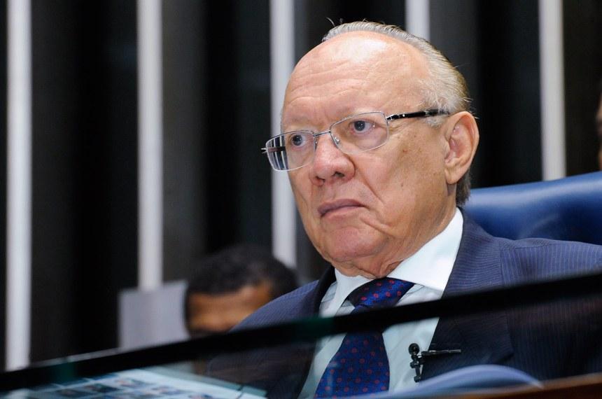 Plenário do Senado durante sessão deliberativa ordinária.   À mesa, senador João Alberto Souza (PMDB-MA).  Foto: Waldemir Barreto/Agência Senado