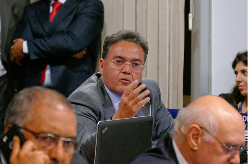 Comissão de Constituição, Justiça e Cidadania (CCJ) realiza reunião deliberativa para apreciação do PLC 38/2017, que trata da reforma trabalhista.   Em pronunciamento, senador Roberto Rocha (PSB-MA).  Foto: Roque Sá/Agência Senado