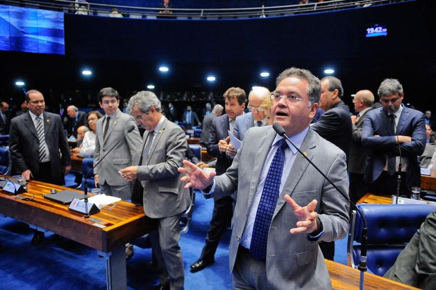 Plenário do Senado durante sessão deliberativa ordinária.  Em pronunciamento, senador Roberto Rocha (PSB-MA).  Foto: Pedro França/Agência Senado
