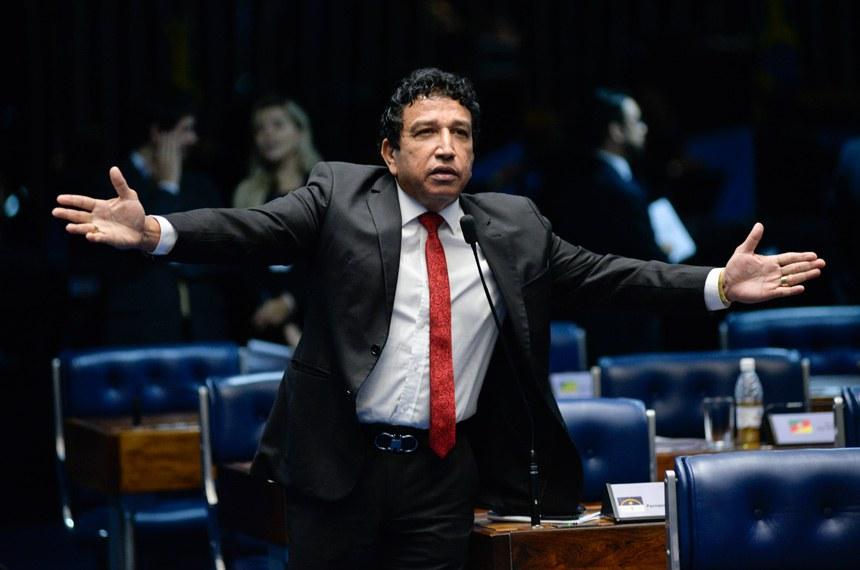 Plenário do Senado Federal durante sessão deliberativa ordinária. *Ordem do dia.   Em pronunciamento, senador Magno Malta (PR-ES).   Foto: Jefferson Rudy/Agência Senado