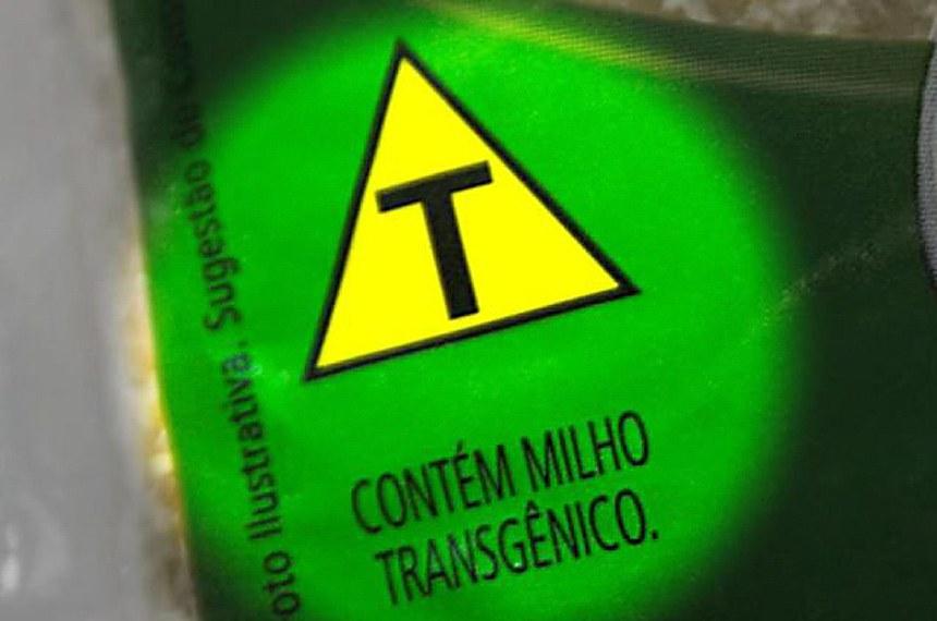 Embalagem onde produto transgênico é identificado.