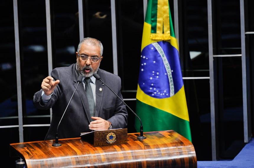 Plenário do Senado Federal durante sessão não deliberativa.   Em discurso, senador Paulo Paim (PT-RS).   Foto: Edilson Rodrigues/Agência Senado