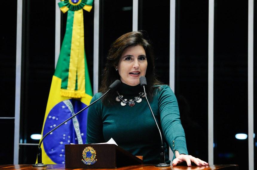Plenário do Senado durante sessão não deliberativa.  Em discurso, à tribuna, senadora Simone Tebet (PMDB-MS).  Foto: Marcos Oliveira/Agência Senado