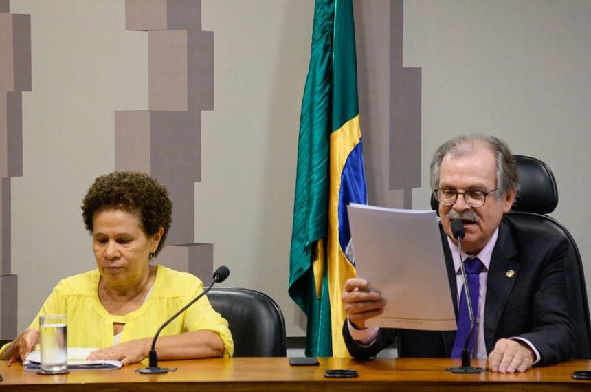 Comissão Mista da Medida Provisória nº 776, de 2017, que altera a Lei nº 6.015, de 31 de dezembro de 1973, que dispõe sobre os registros públicos, realiza reunião para instalação e eleição de presidente e vice.   Resultado: instalada a comissão, é eleito vice-presidente o senador Dalírio Beber (PSDB-SC) e designada relatora a senadora Regina Sousa (PT-PI).   Mesa:  relatora da CMMPV 776/2017, senadora Regina Sousa (PT-PI);  vice-presidente da CMMPV 776/2017, senador Dalírio Beber (PSDB-SC)   Foto: Jefferson Rudy/Agência Senado