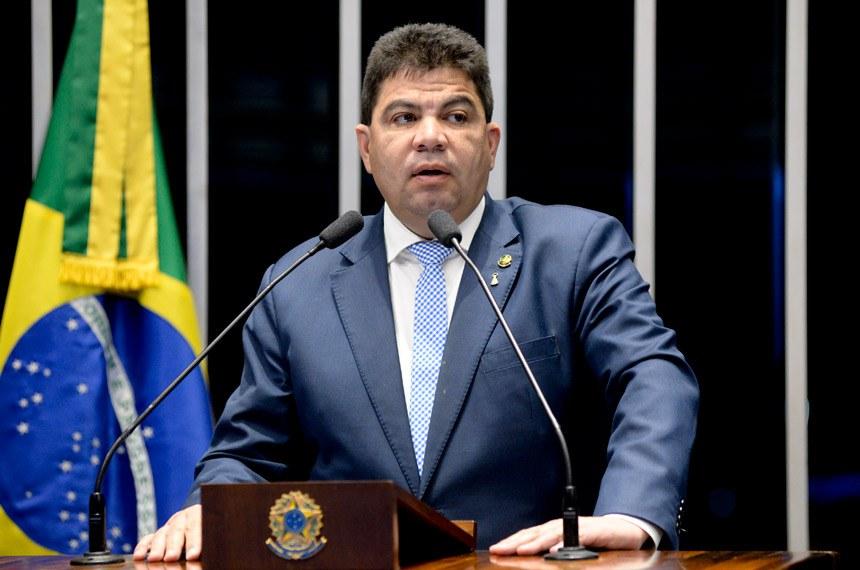 Plenário do Senado durante sessão deliberativa ordinária.  Em discurso, à tribuna, senador Cidinho Santos (PR-MT).  Foto: Jefferson Rudy/Agência Senado