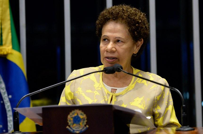 Plenário do Senado durante sessão deliberativa ordinária.  Em discurso, à tribuna, senadora Regina Sousa (PT-PI).  Foto: Jefferson Rudy/Agência Senado