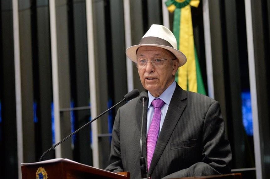 Plenário do Senado durante sessão deliberativa ordinária.  Em discurso, à tribuna, senador Antonio Carlos Valadares (PSB-SE).  Foto: Jefferson Rudy/Agência Senado