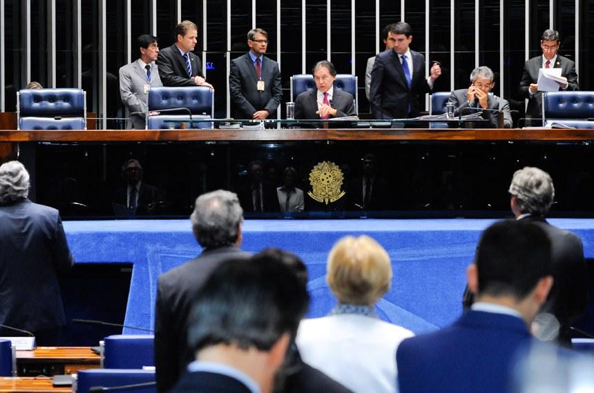Plenário do Senado durante sessão deliberativa ordinária. Ordem do dia.  Mesa: presidente do Senado, senador Eunício Oliveira (PMDB-CE); senador Jorge Viana (PT-AC).  Foto: Waldemir Barreto/Agência Senado