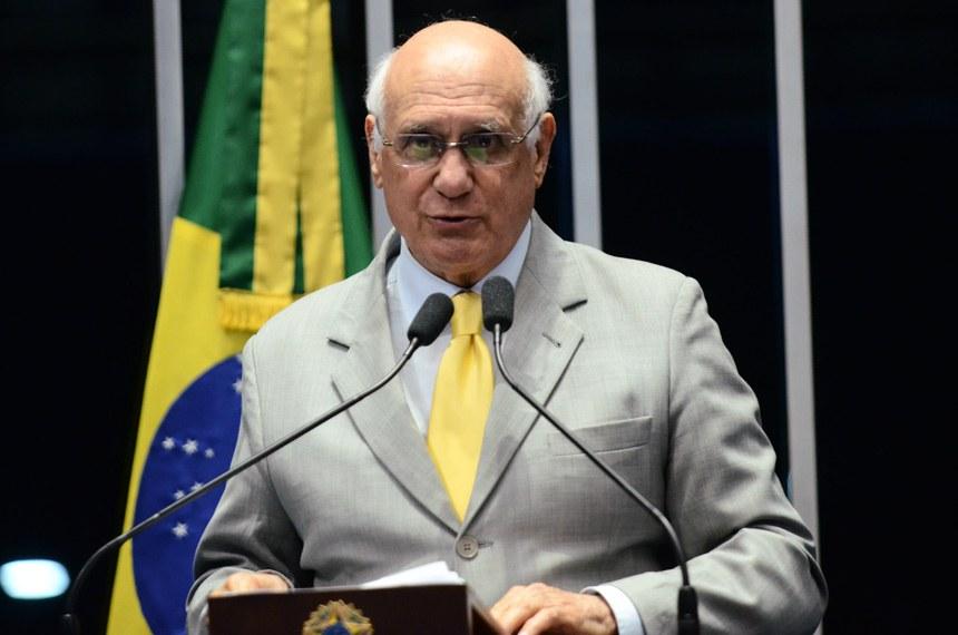 Plenário do Senado durante sessão deliberativa ordinária.  Em discurso, senador Lasier Martins (PSD-RS).  Foto: Pedro França/Agência Senado