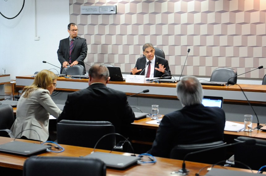O  papel dos síndicos e dos síndicos profissionais nos condomínios brasileiros será debatido no senado federal
