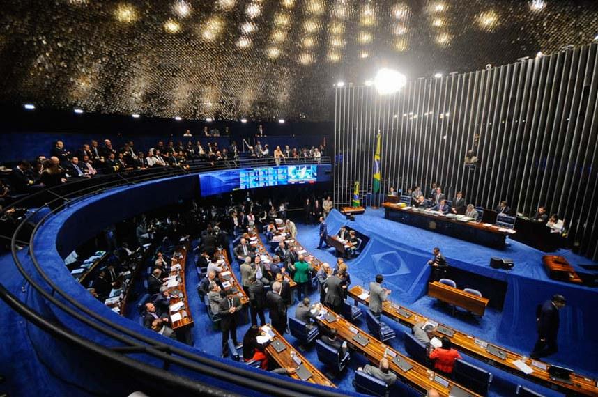 Plenário do Senado durante sessão deliberativa ordinária.  À mesa, presidente do Senado Federal senador Eunício Oliveira (PMDB-CE).  Foto: Jonas Pereira/Agência Senado