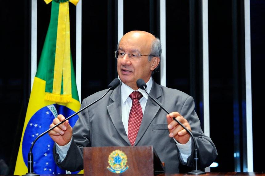 Plenário do Senado Federal durante sessão deliberativa ordinária.   Em discurso, senador José Pimentel (PT-CE).   Foto: Waldemir Barreto/Agência Senado