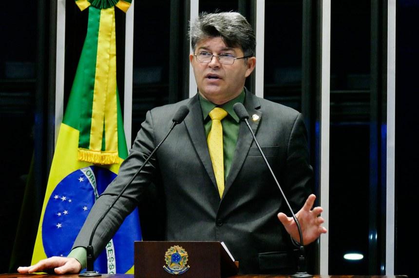 Plenário do Senado Federal durante sessão não deliberativa.   Em discurso, à tribuna, senador José Medeiros (Pode-MT).  Foto: Roque de Sá/Agência Senado