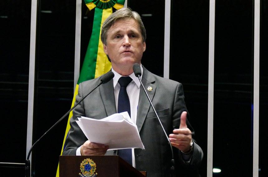 Plenário do Senado Federal durante sessão deliberativa ordinária.   Em discurso, senador Dário Berger (PMDB-SC).   Foto: Roque de Sá/Agência Senado