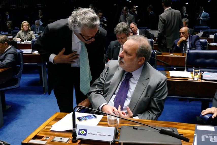 Plenário do Senado Federal durante sessão deliberativa ordinária.   Bancada: senador Armando Monteiro (PTB-PE);  senador Ronaldo Caiado (DEM-GO).  Foto: Roque de Sá/Agência Senado