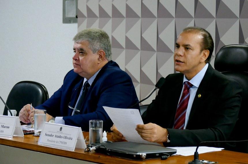 Comissão Parlamentar Mista de Inquérito (CPMI) da JBS realiza reunião para apreciação de requerimentos.  Mesa: relator da CPMI da JBS, deputado Carlos Marun (PMDB-MS); presidente da CPMI da JBS, senador Ataídes Oliveira (PSDB-TO).  Foto: Roque de Sá/Agência Senado