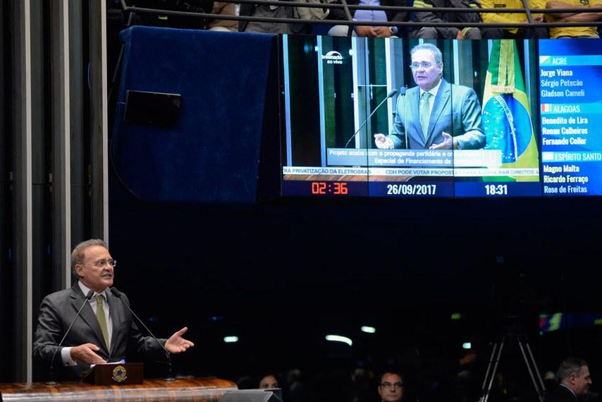 Plenário do Senado durante sessão deliberativa ordinária.  Em discurso na tribuna, senador Renan Calheiros (PMDB-AL).  Foto: Jefferson Rudy/Agência Senado