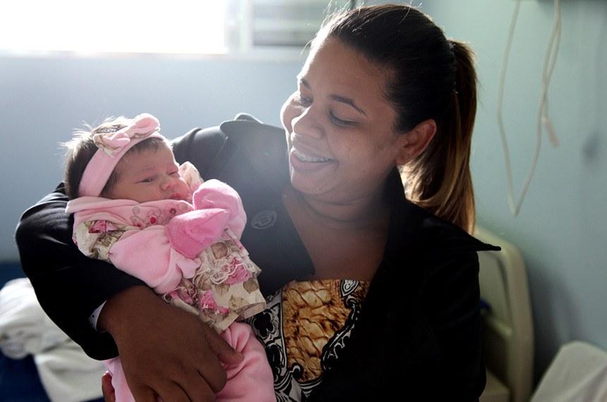 18.05.2016 programa mamae-bebe da prefeitura retorna a santa casa para garantir assistencia as maes e recem-nascido de vinhedo.