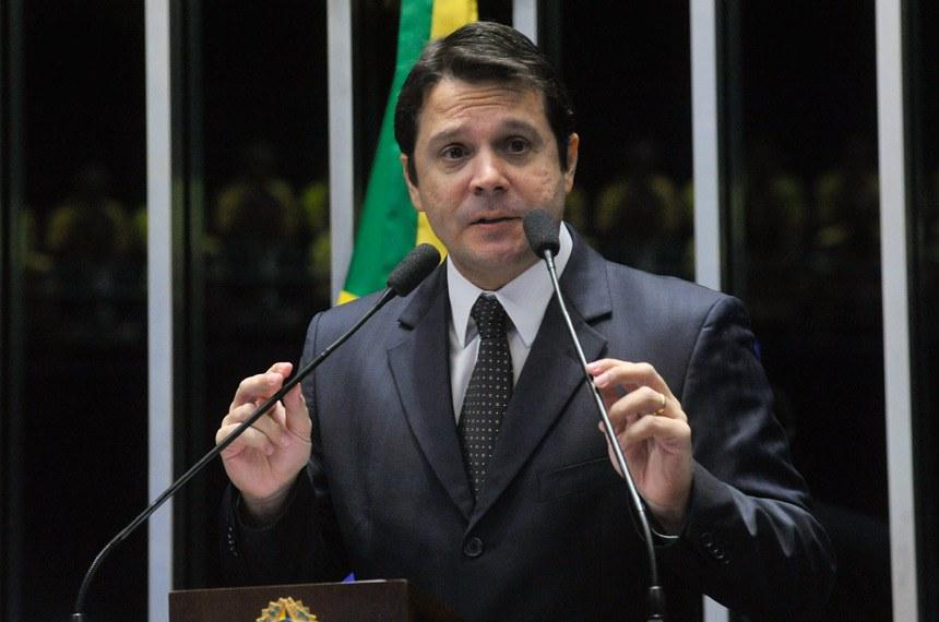 Plenário do Senado durante sessão deliberativa ordinária.  Em discurso, senador Reguffe (Sem partido-DF).  Foto: Geraldo Magela/Agência Senado