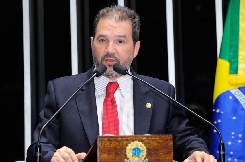 Plenário do Senado Federal durante sessão deliberativa ordinária.   Em discurso, senador Eduardo Lopes (PRB-RJ).   Foto: Waldemir Barreto/Agência Senado