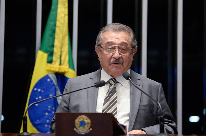 Plenário do Senado durante sessão deliberativa ordinária.  Em discurso, à tribuna, senador José Maranhão (PMDB-PB).  Foto: Jefferson Rudy/Agência Senado