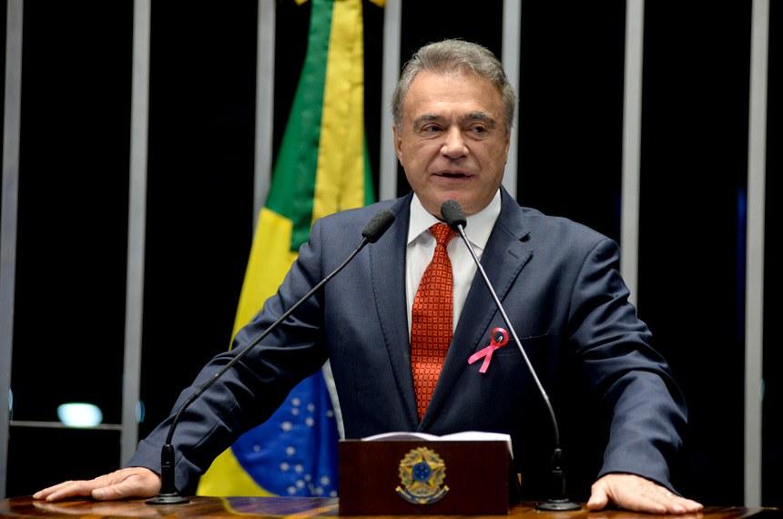 Plenário do Senado Federal durante sessão não deliberativa.   Em discurso, senador Alvaro Dias (Pode-PR).   Foto: Jefferson Rudy/Agência Senado