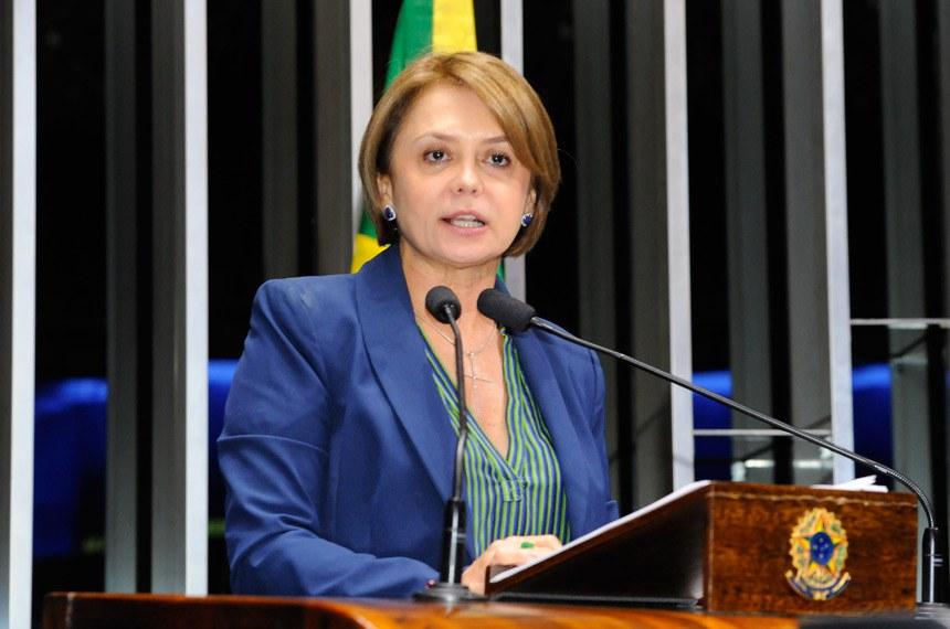 Plenário do Senado Federal durante sessão deliberativa ordinária.   Em discurso, senadora Ângela Portela (PDT-RR).   Foto: Waldemir Barreto/Agência Senado
