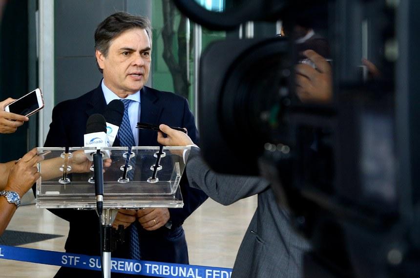 Presidente em exercício do Senado Federal, senador Cássio Cunha Lima (PSDB-PB), concede entrevista.   Foto: Jaciara Aires/Senado Federal