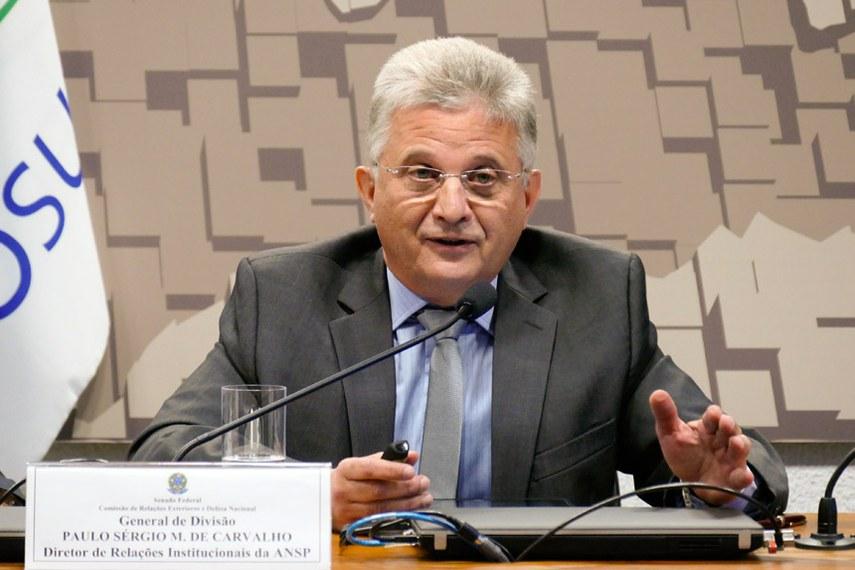 Diretor da an Academic Network at São Paulo (Rede ANSP) o general de divisão Paulo Sérgio Melo de Carvalho lembrou que o uso das tecnologias pelos grupos terroristas exigiu a adaptação das ações militares