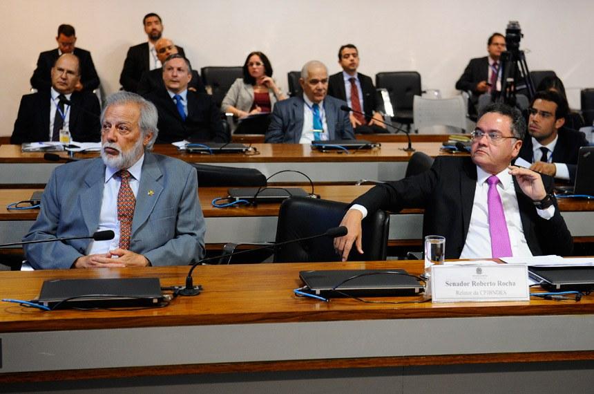 CPI do BNDES (CPIBNDES) realiza audiência pública interativa com a participação de representantes do Banco Central e do Banco Nacional de Desenvolvimento Econômico e Social (BNDES).   Bancada:  senador Airton Sandoval (PMDB-SP);  senador Roberto Rocha (PSB-MA)   Foto: Marcos Oliveira/Agência Senado