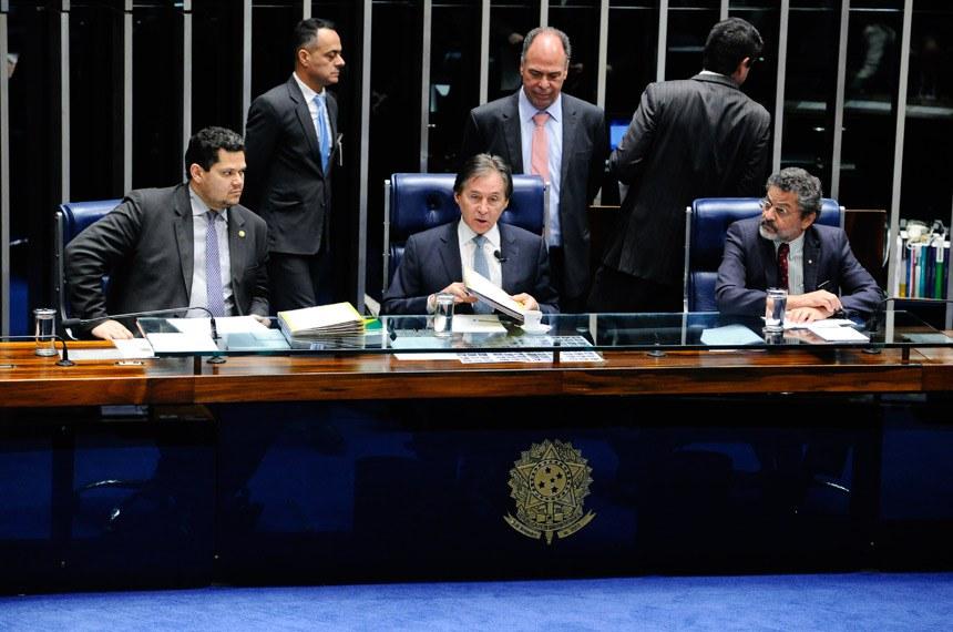 Resultado de imagem para fotos de acordo, assinado entre Brasil e Itália em 2016, foi aprovado pelo Congresso em 2017.