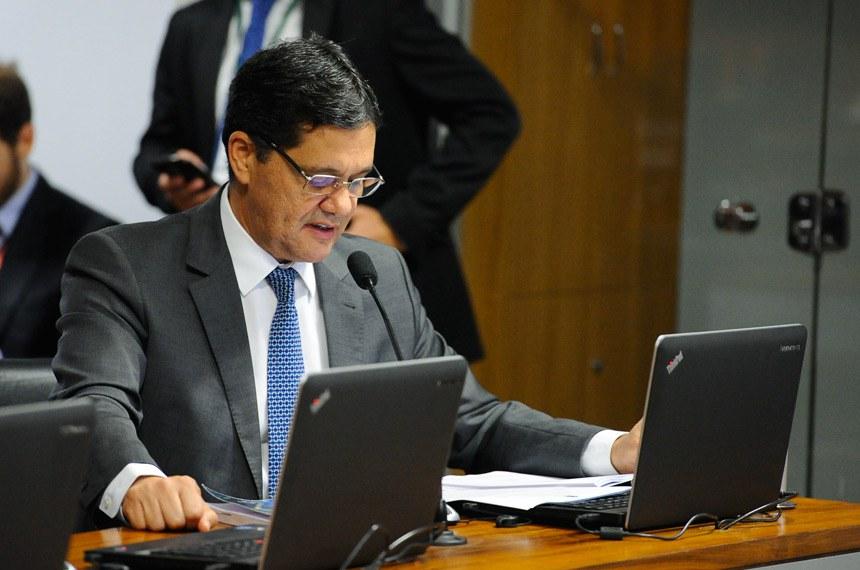 Comissão de Assuntos Econômicos (CAE) realiza reunião deliberativa para apreciação do relatório de avaliação da funcionalidade do Sistema Tributário Nacional (STN).  Em pronunciamento, senador Ricardo Ferraço (PSDB-ES).  Foto: Marcos Oliveira/Agência Senado