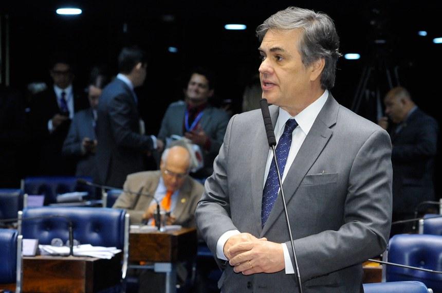 O senador Cássio Cunha Lima é o autor da PEC que cria as polícias penais