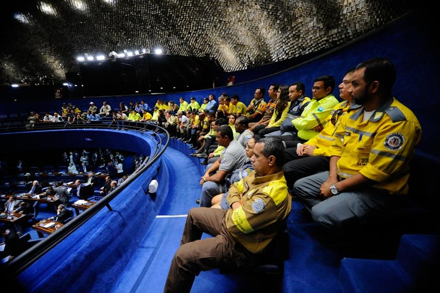Plenário do Senado durante sessão deliberativa ordinária.  Agentes de trânsito e transporte acompanham sessão na galeria do Senado   Foto: Marcos Oliveira/Agência Senado