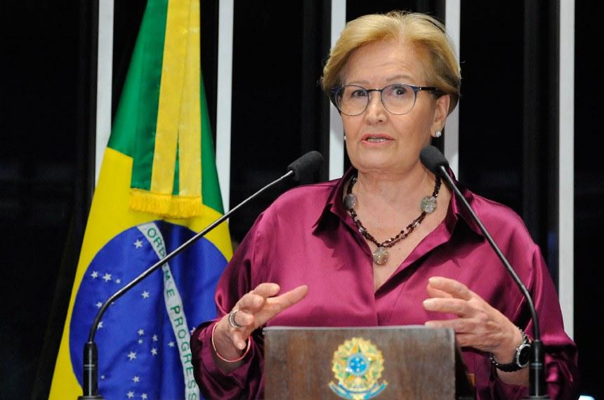Plenário do Senado durante sessão não deliberativa.  Em discurso, à tribuna, senadora Ana Amélia (PP-RS).  Foto: Waldemir Barreto/Agência Senado