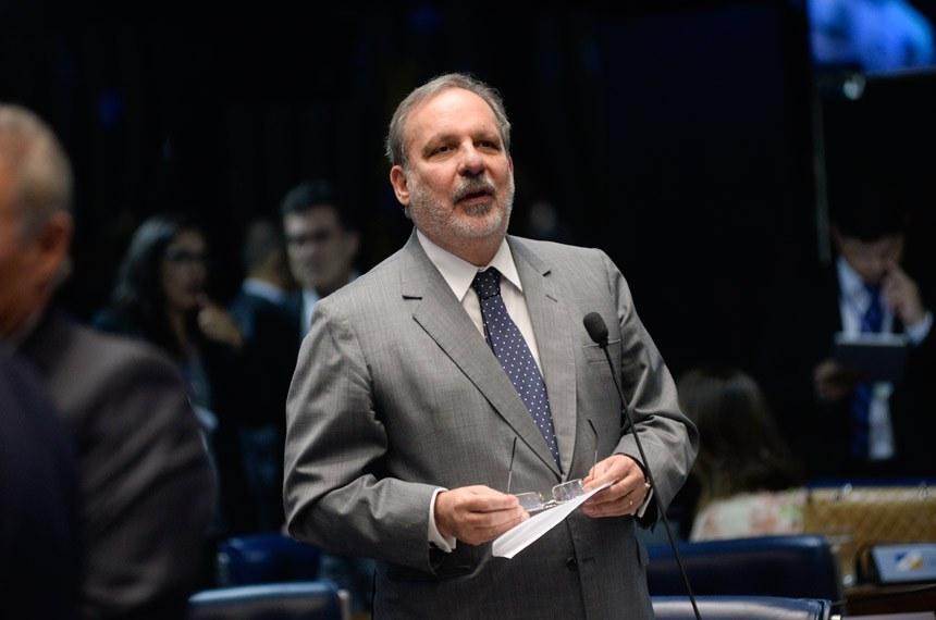 Plenário do Senado durante sessão deliberativa ordinária.  Em pronunciamento, senador Armando Monteiro (PTB-PE).   Foto: Jefferson Rudy/Agência Senado