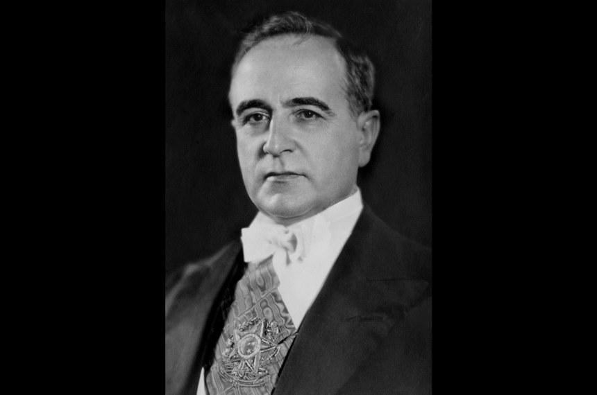Galeria de Presidentes: Retrato oficial do presidente Getúlio Vargas  Getúlio Dornelles Vargas - 10.11.1937 a 29.10.1945