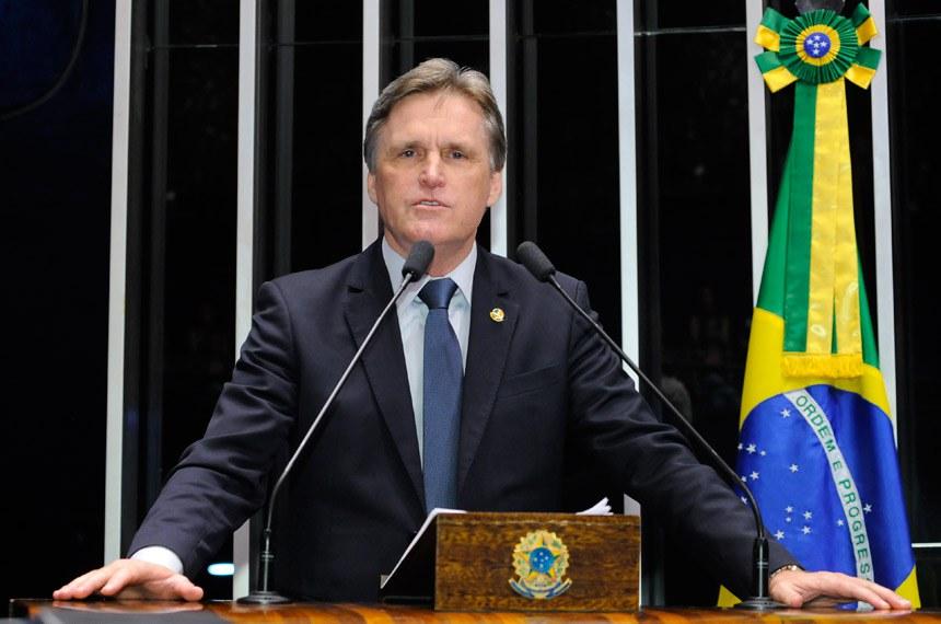 Plenário do Senado Federal durante sessão não deliberativa.   Em discurso, senador Dário Berger (PMDB-SC).  Foto: Waldemir Barreto/Agência Senado