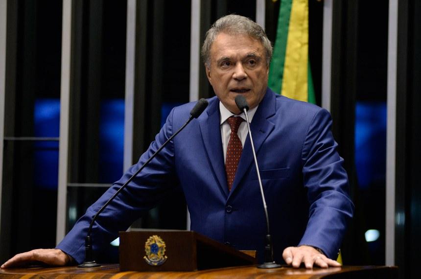 Plenário do Senado durante sessão deliberativa ordinária.Em discurso, senador Alvaro Dias (Pode-PR).Foto: Jefferson Rudy/Agência Senado