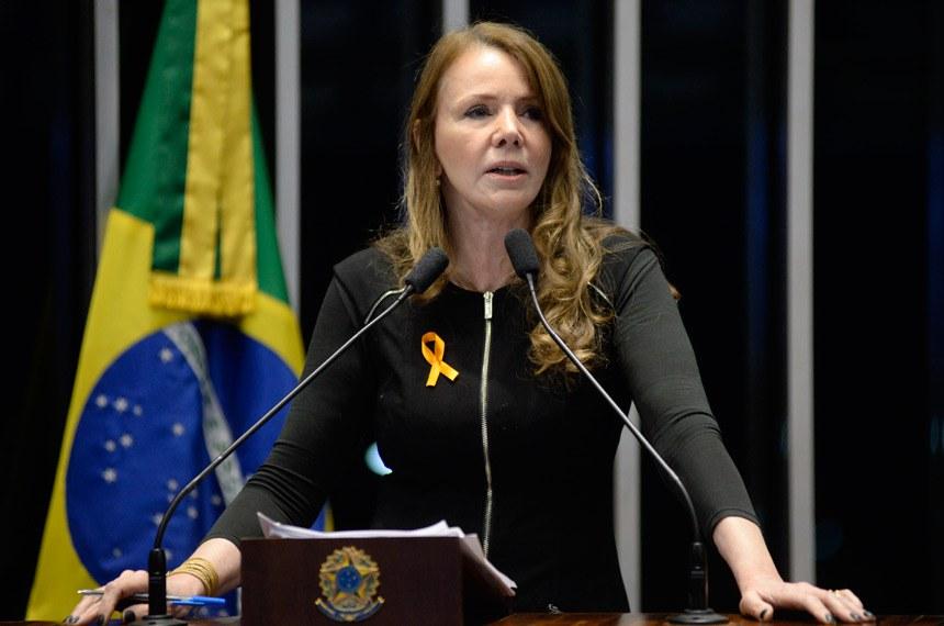 Plenário do Senado durante sessão deliberativa ordinária.  Em discurso, senadora Vanessa Grazziotin (PCdoB-AM).  Foto: Jefferson Rudy/Agência Senado