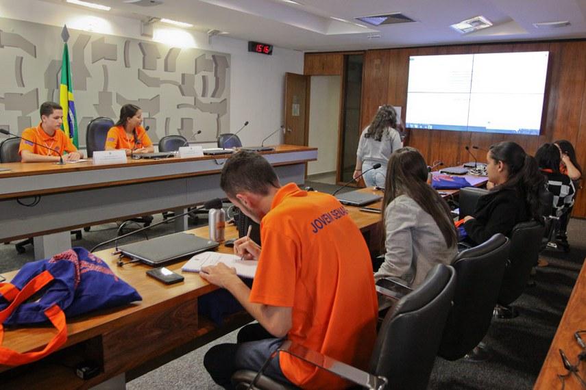 Jovem Senador 2017 - Trabalho legislativo: Discussão dos projetos em comissões.   Mesa:  Matheus Braga Couto (RJ);  Willyane Fernanda Barbosa de Pontes (PE).  Foto: Geovanna Pimenta/Senado Federal