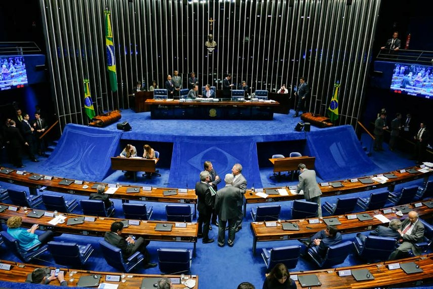 Plenário do Senado Federal durante sessão deliberativa ordinária. Ordem do dia.  À mesa, presidente do Senado Federal, senador Eunício Oliveira (PMDB-CE).  Foto: Roque de Sá/Agência Senado