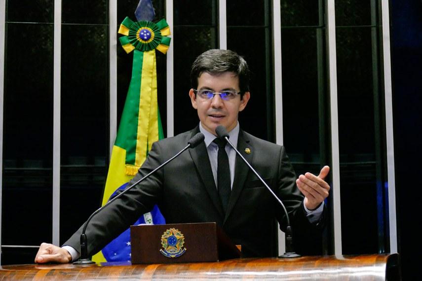Plenário do Senado Federal durante sessão deliberativa ordinária.   Em discurso, senador Randolfe Rodrigues (Rede-AP).  Foto: Roque de Sá/Agência Senado
