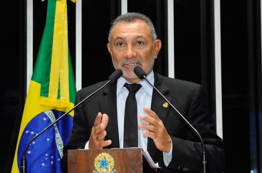 Plenário do Senado durante sessão deliberativa ordinária.  Em discurso, senador Telmário Mota (PDT-RR).  Foto: Waldemir Barreto/Agência Senado