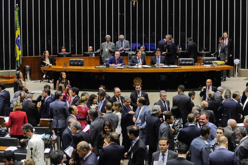 Plenário durante sessão conjunta do Congresso Nacional.