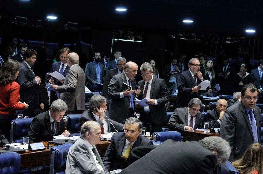 Plenário do Senado Federal durante sessão deliberativa extraordinária.   Da bancada, parlamentares acompanham sessão.  Foto: Edilson Rodrigues/Agência Senado