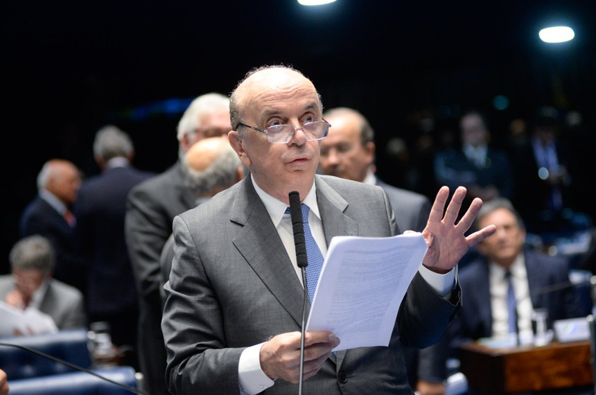 Plenário do Senado Federal durante sessão deliberativa extraordinária.  Em pronunciamento, senador José Serra (PSDB-SP).   Foto: Jefferson Rudy/Agência Senado