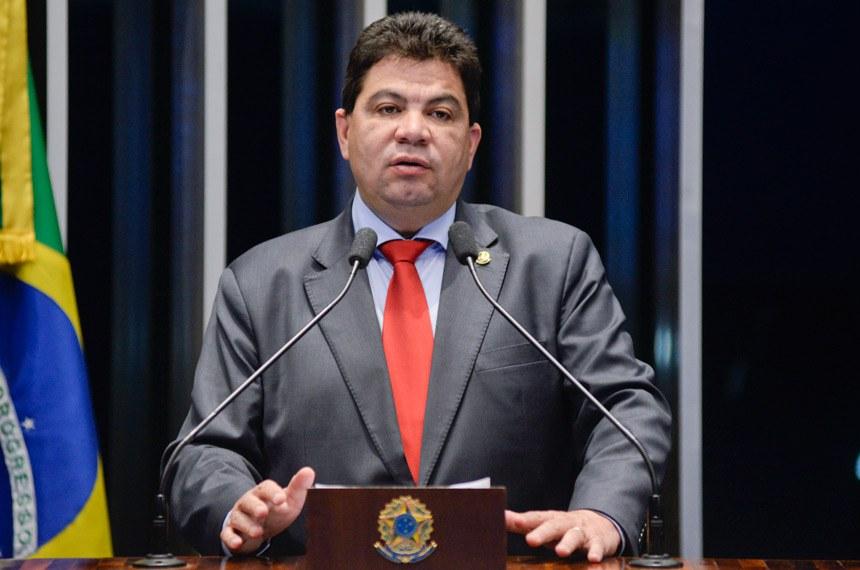 Plenário do Senado Federal durante sessão deliberativa extraordinária.   Em discurso, senador Cidinho Santos (PR-MT).  Foto: Jefferson Rudy/Agência Senado