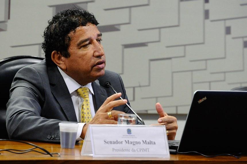 CPI dos Maus-tratos (CPIMT) realiza reunião para apreciação de requerimentos.Em pronunciamento, presidente da CPIMT, senador Magno Malta (PR-ES).Foto: Marcos Oliveira/Agência Senado